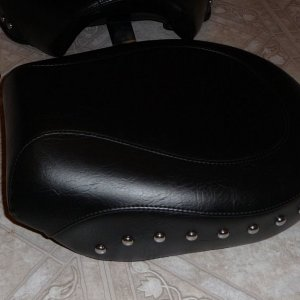 Mustang Studded Seat